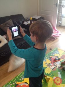 Nintendo 2DS Photo Taking