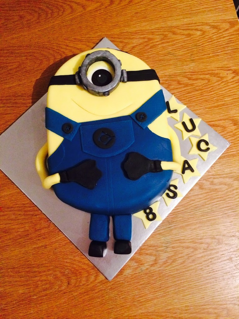 Minion Cake - Silent Sunday